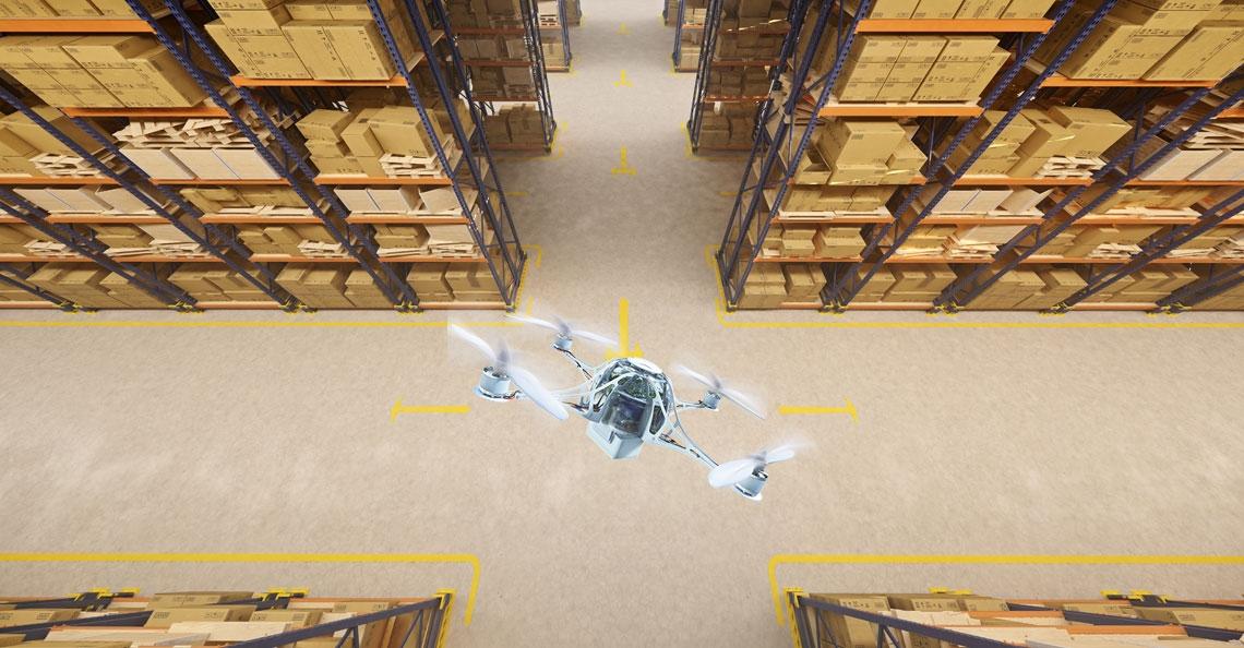 Drone telt voorraad in magazijn