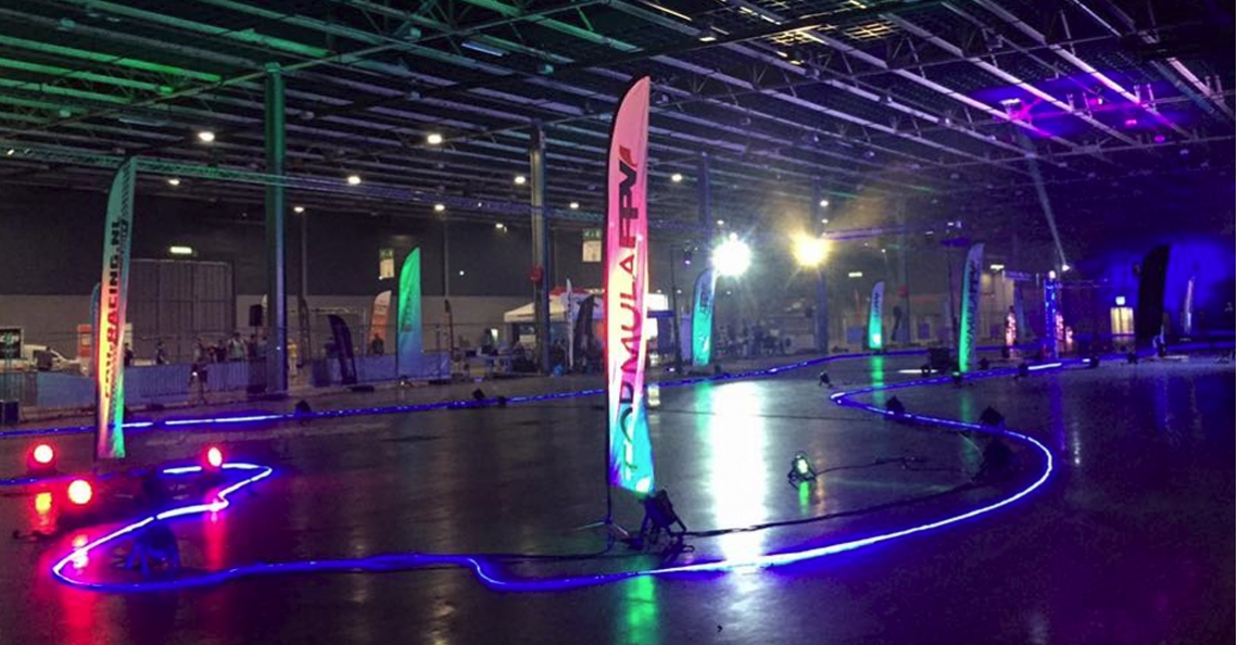 Super quadcopter gang domineert kamera express indoor cup for Jaarbeurs utrecht 2016