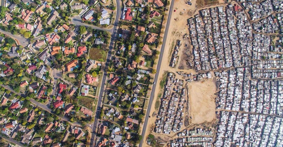 Dronefoto's tonen contrast in Zuid Afrika