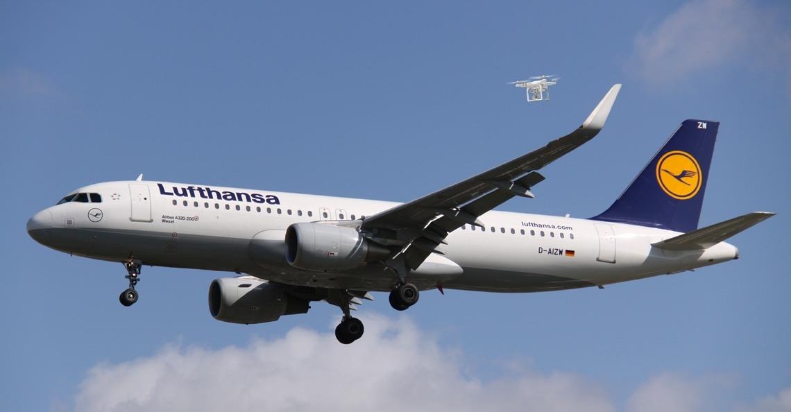 Drone op 10 meter afstand van Airbus bij München