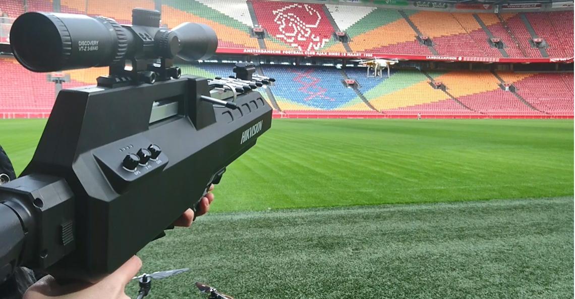 Hikvision demonstreert Anti-Drone Gun in Amsterdam Arena