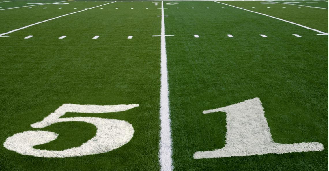 Drone gespot boven Super Bowl training