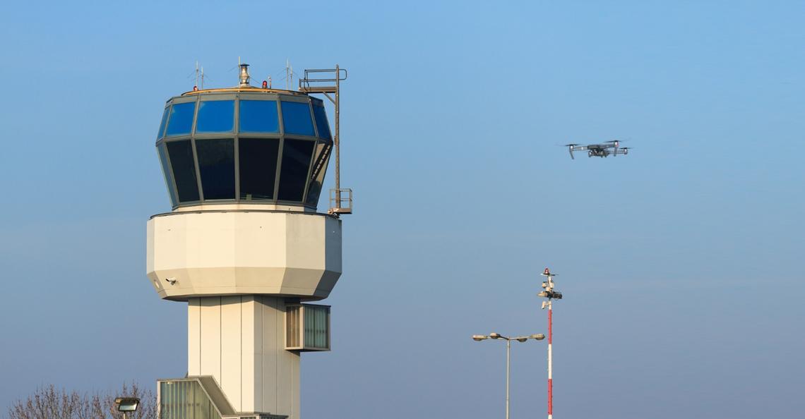 KLM wil proeven doen met drones op Goningen Airport Eelde