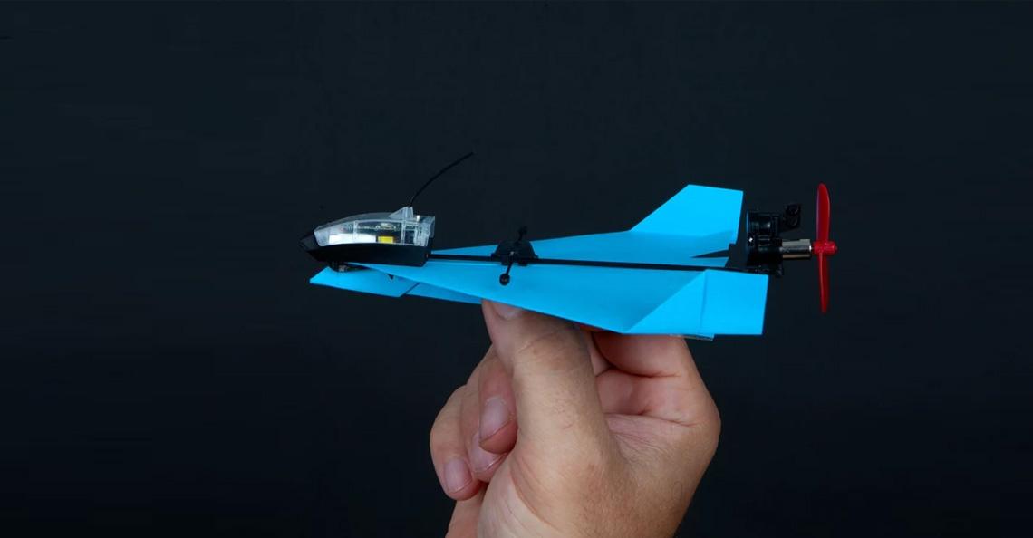 Nieuwe Powerup Dart laat je papieren vliegtuigje echt stuntvliegen