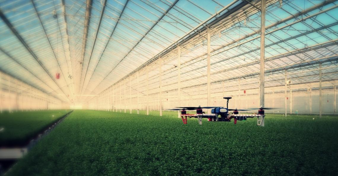 Luchtvaartstudenten halen zes ton op voor drones in tuinbouwkassen
