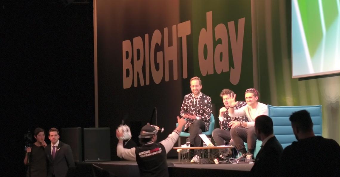 Vince Irie trollt Casey Neistat tijdens Bright Day 2017