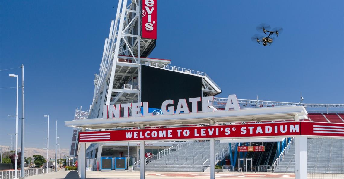 Man uit Californië aangehouden voor dronevluchten boven NFL stadions