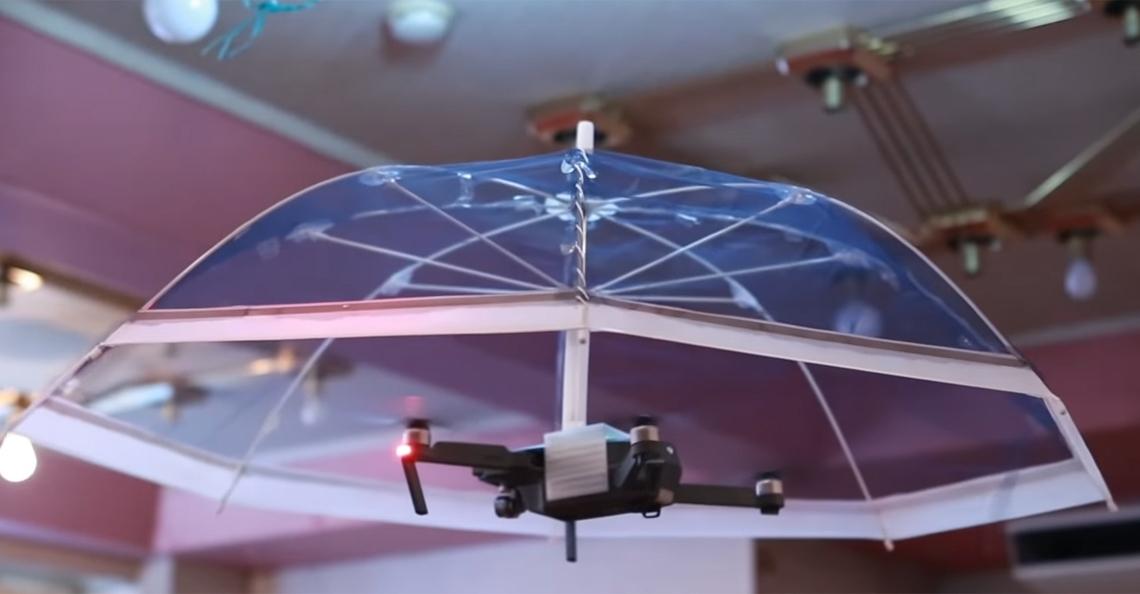 Japans bedrijf lanceert drone paraplu