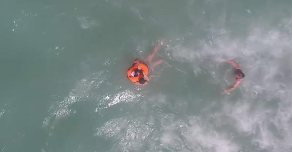Drone redt zwemmer in Spanje