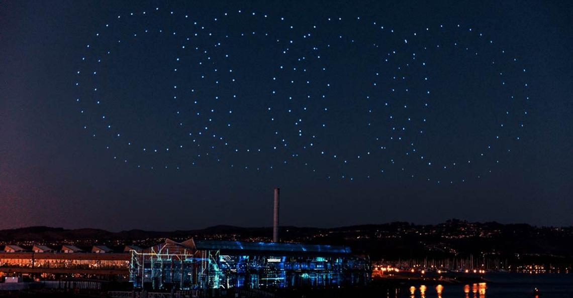 Spectaculaire drone-lichtshow bij Audi e-tron presentatie