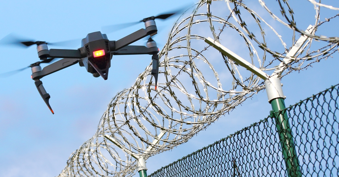Vliegen met drone boven gevangenis officieel verboden in Curaçao