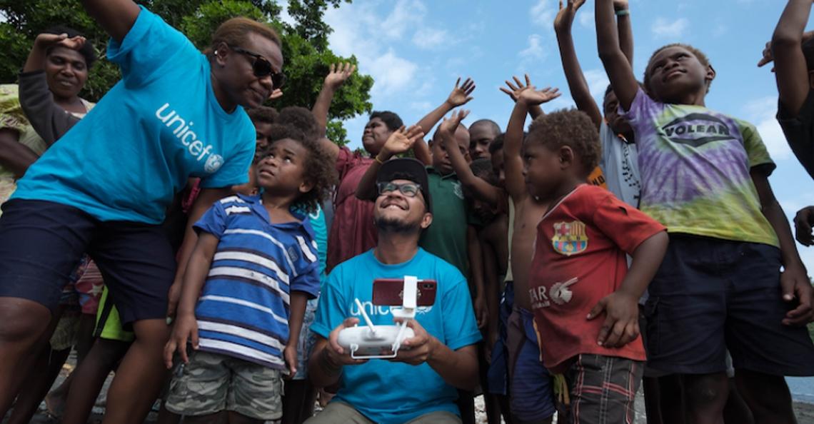 UNICEF bezorgt eerste vaccins met drone naar moeilijk bereikbaar Vanuatu