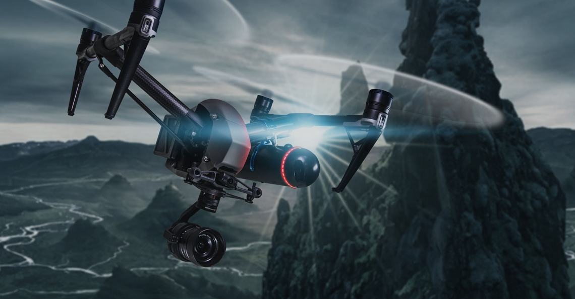Parachutesysteem laat dronepiloten in de VS boven mensenmassa's vliegen