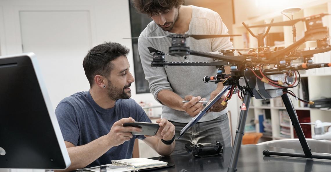 Avans Hogeschool en Aviolanda starten HBO-opleiding drone-ontwikkeling