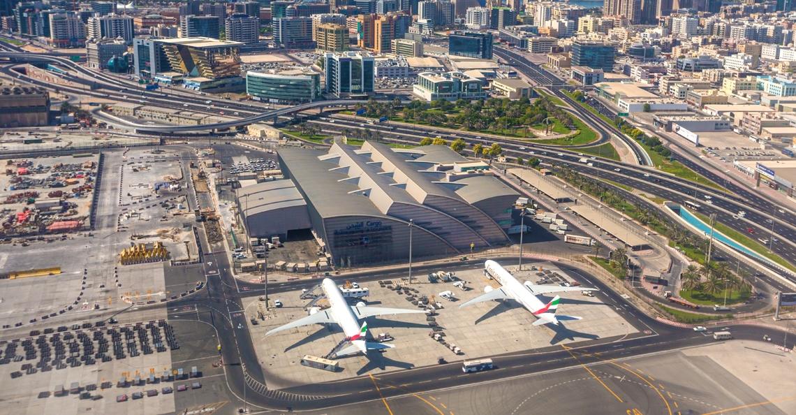 Vliegverkeer Dubai ligt kort stil door mogelijke aanwezigheid drones