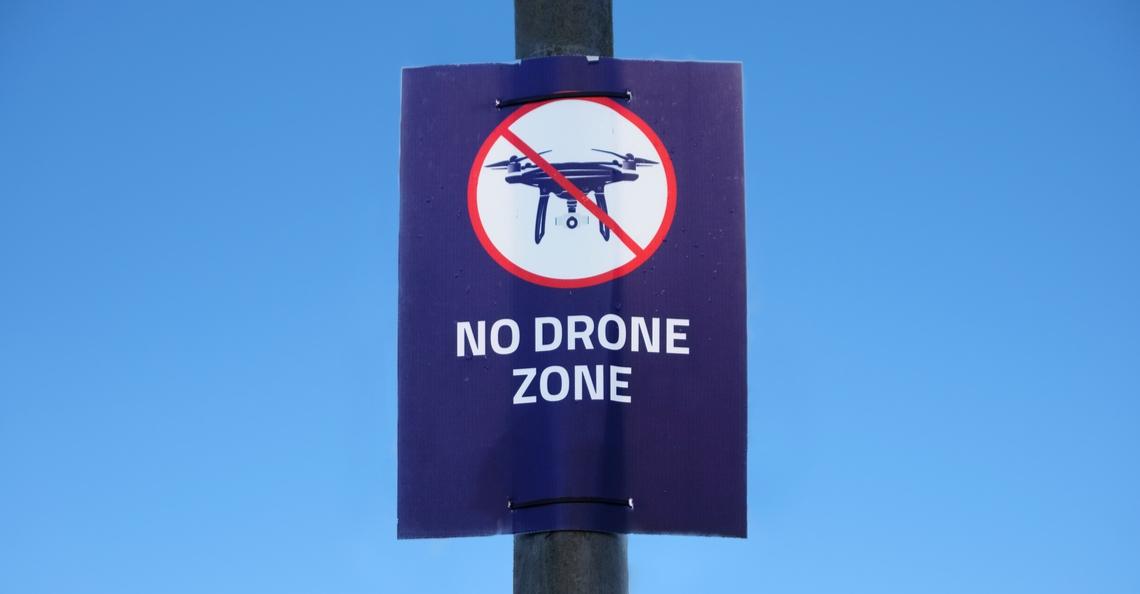 Drones in Verenigd Koninkrijk voortaan verplicht 5km afstand te houden van vliegvelden