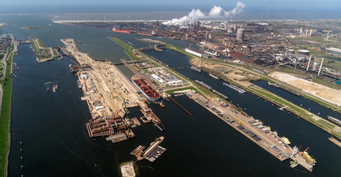 Inzet van drones helpt Rijkswaterstaat met oliebestrijding