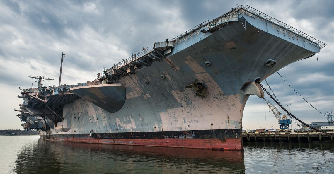 Drones helpen Amerikaans schip om roestvrij te blijven