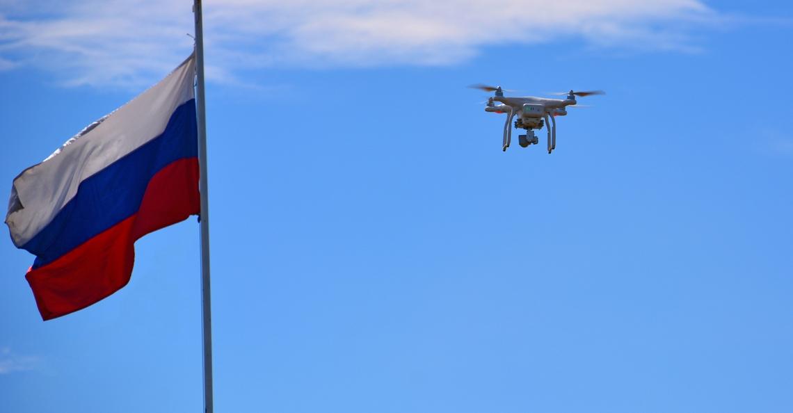 Russische activist gebruikt drone om gegevens veilig te stellen