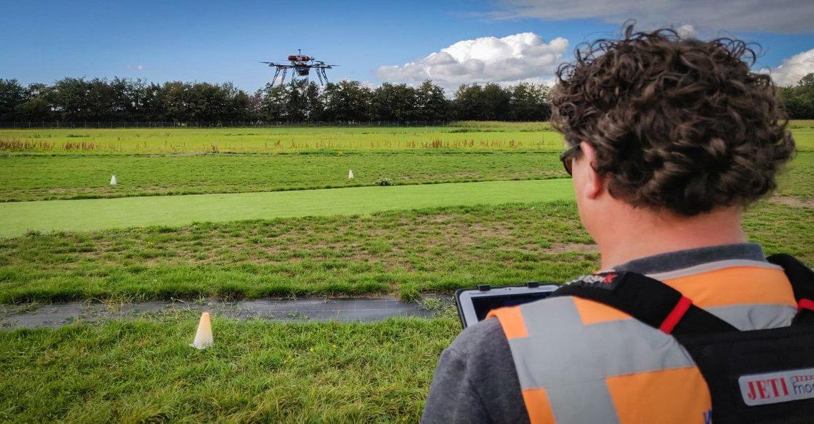 Nederlands luchtvaartcentrum laat drone vliegen op waterstof
