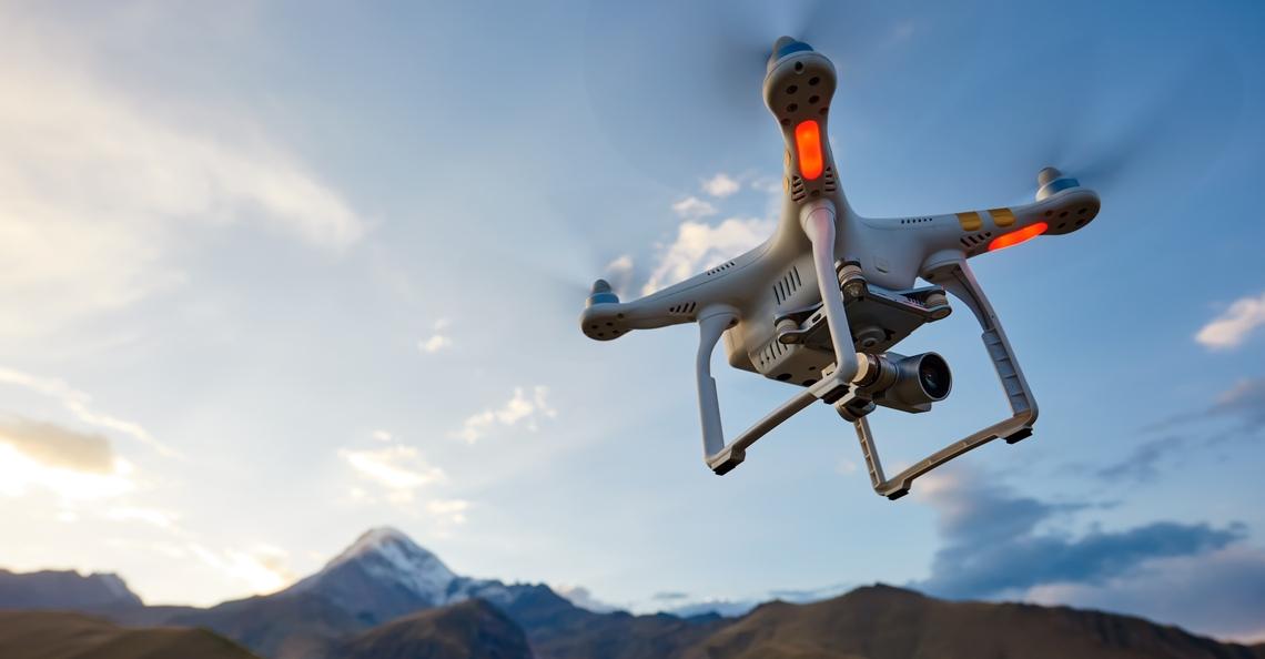Nieuw soort accu laat drones tot 70% langer vliegen