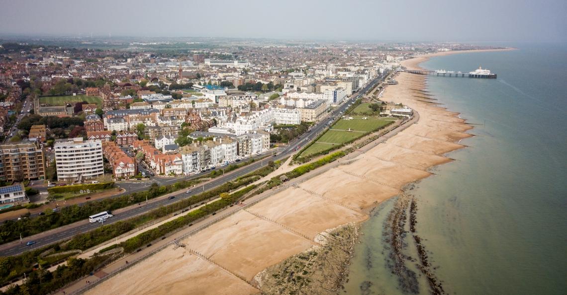 Drones ingezet om illegale migratie te monitoren nabij Engelse kust