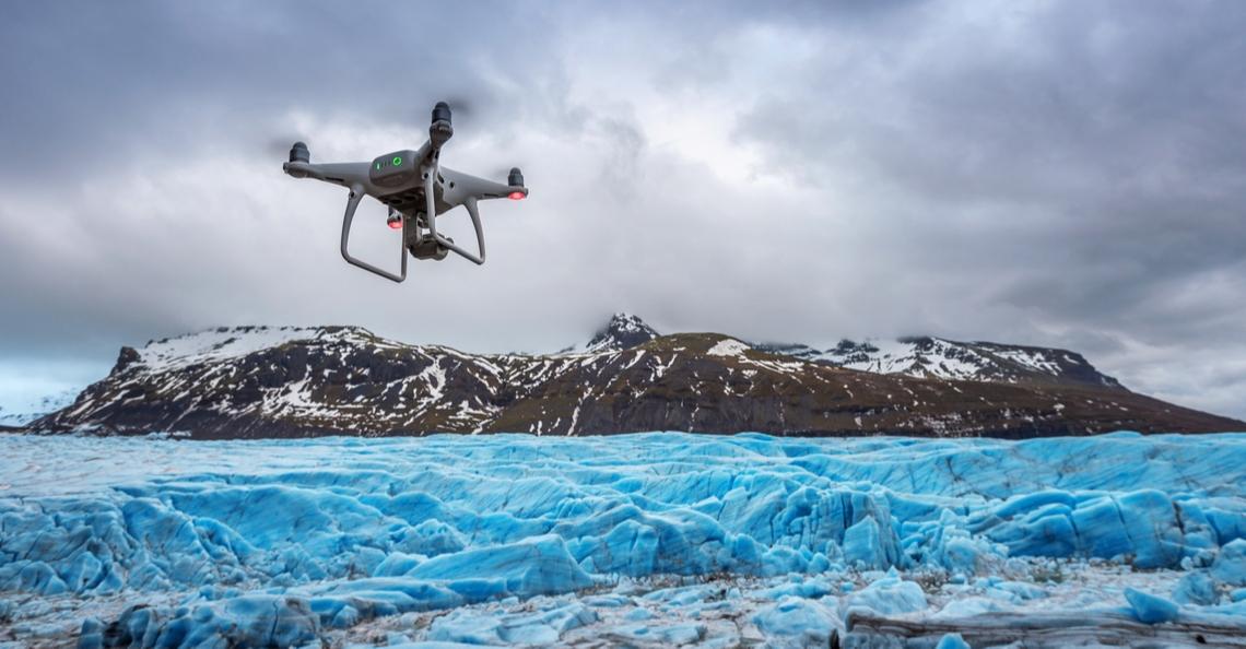 Drone observeert smeltproces gletsjer in Groenland
