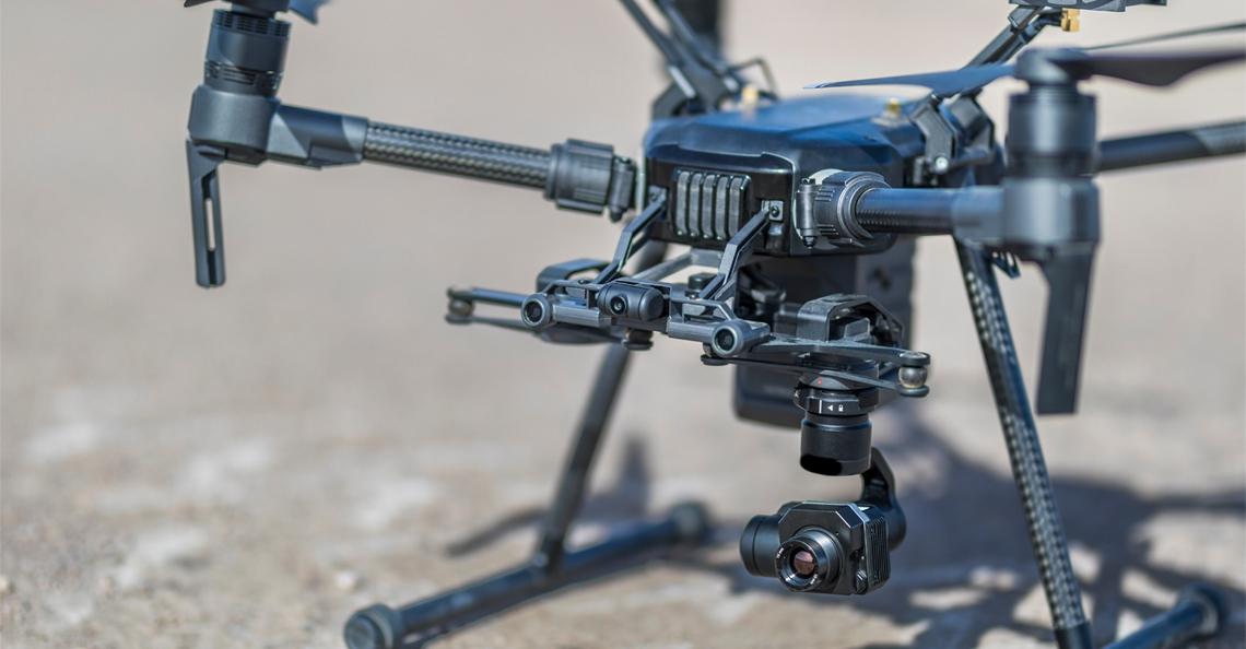Drones met warmtecamera onderzoeken warmteverlies huurhuizen Enschede