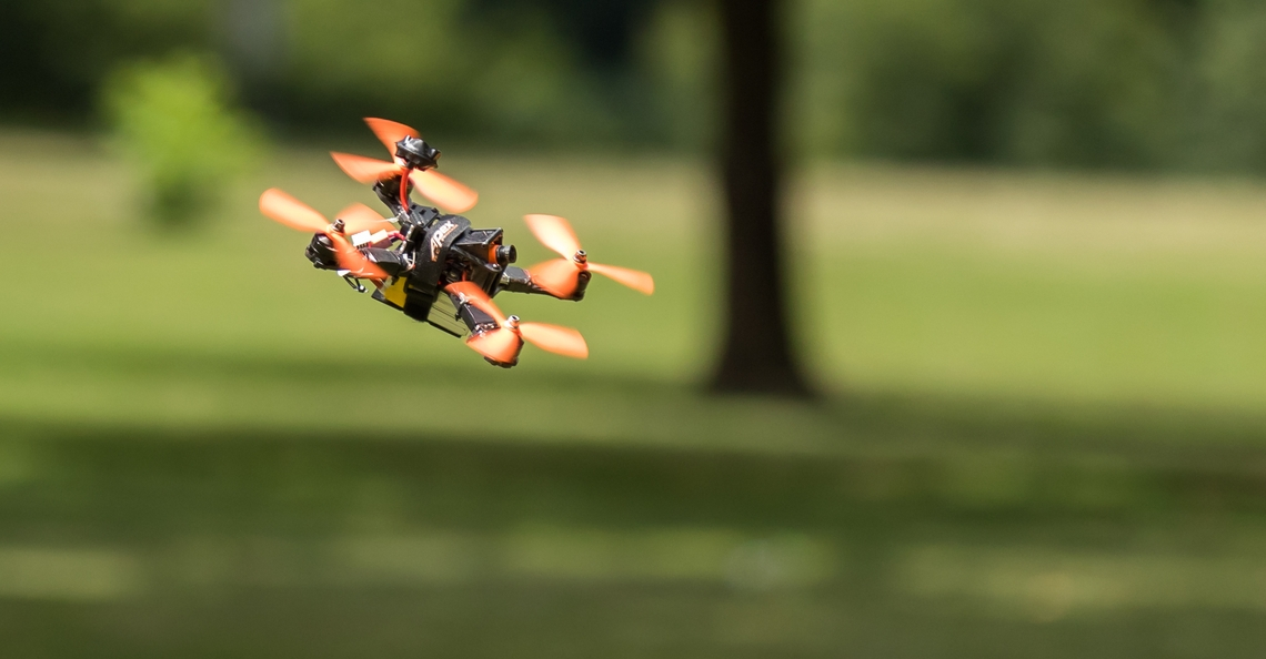 Zeventienjarige breekt Guinness World Record voor snelst opstijgende quadcopter