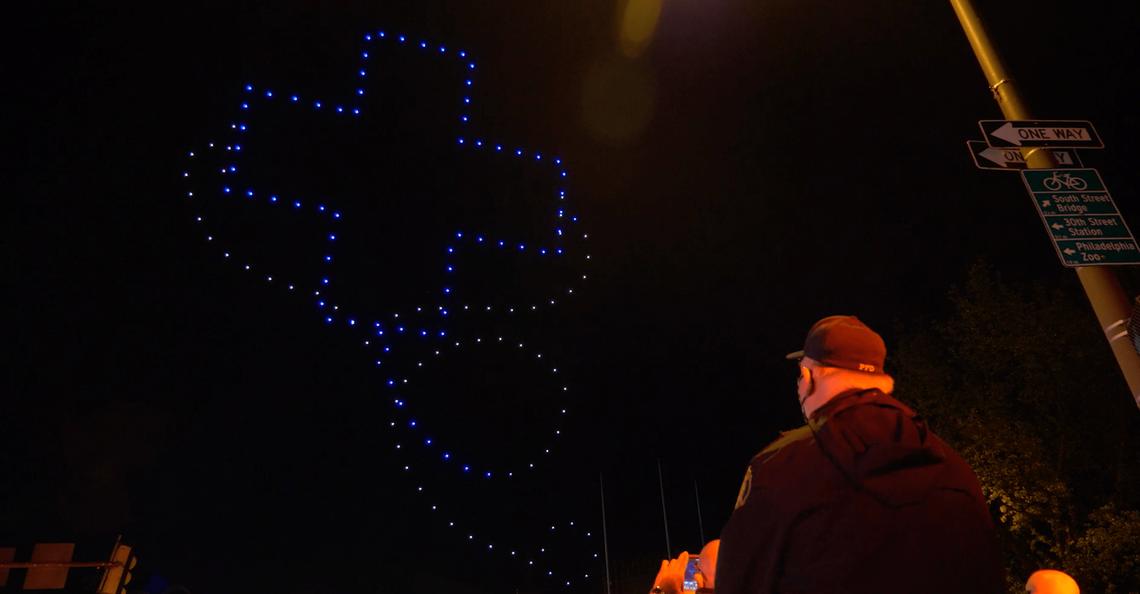 Philadelphia geeft drone-lichtshow ter ere van zorgpersoneel