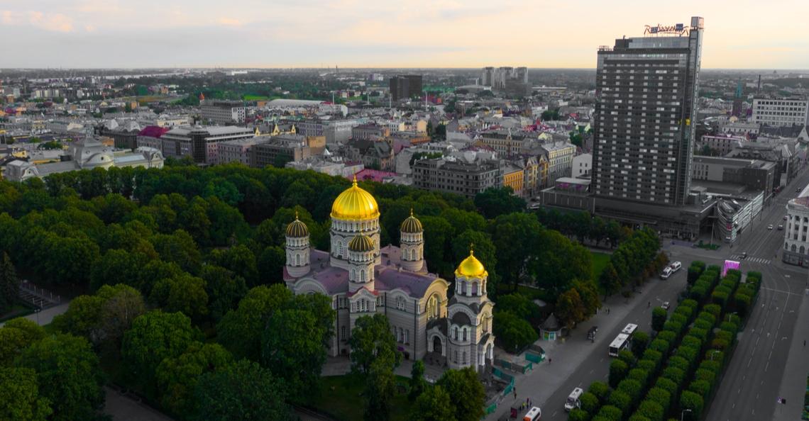 Riga sluit luchtruim vanwege op hol geslagen drone
