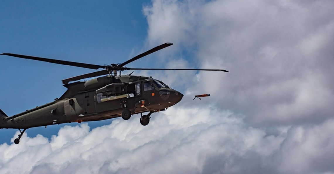 Amerikaanse leger lanceert spionagedrone uit vliegende helikopter