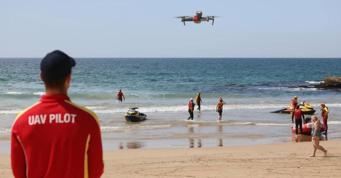 Autonome drones beschermen surfers tegen haaien in Australië
