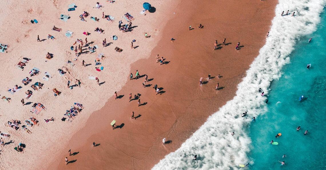 Australie zet drones in om stranden COVID-vrij te houden