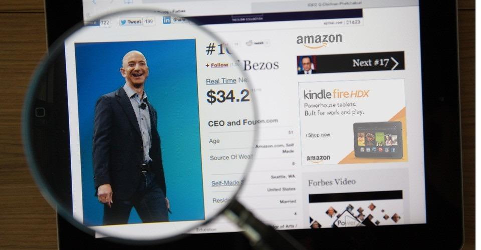 Amazon CEO Jeff Bezos prijst drone regelgeving in UK