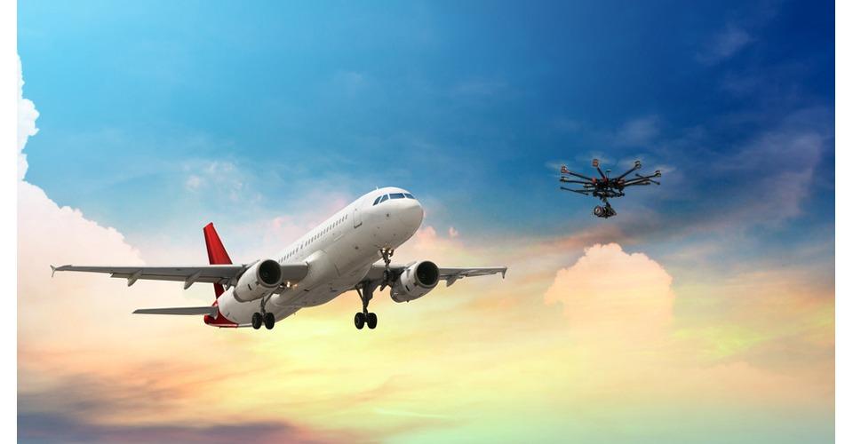 Drones komen steeds vaker bijna in botsing met vliegtuigen