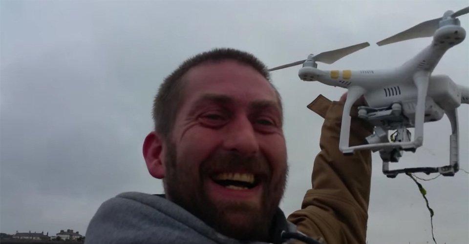 Ier ziet drone het water in gaan en vindt hem 3 uur later terug