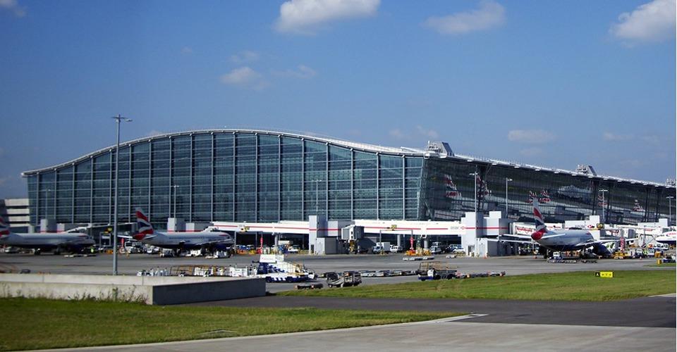 Drone botst bijna met Airbus 320 op Heathrow Airport