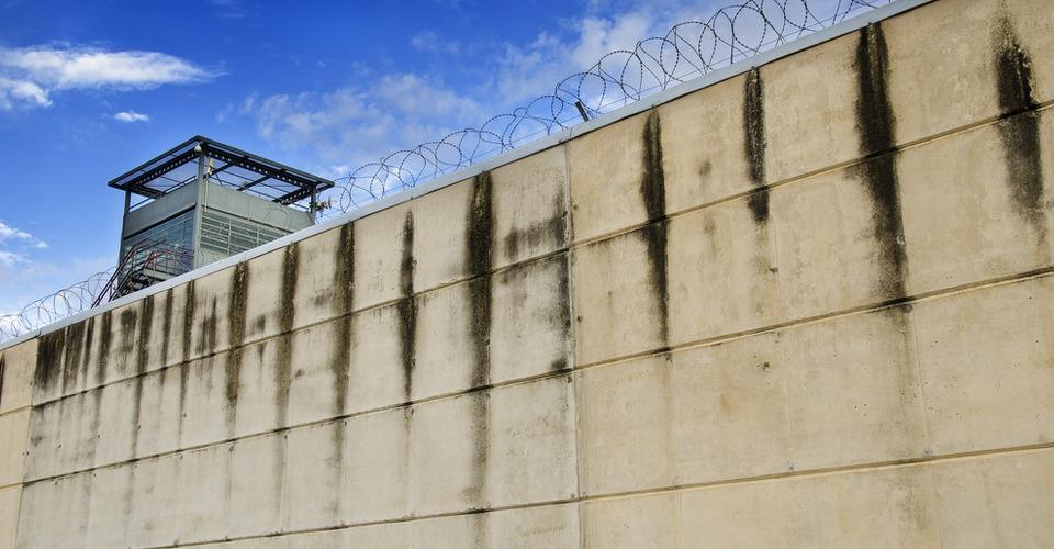 Drone probeert smokkelwaar gevangenis Melbourne in te smokkelen
