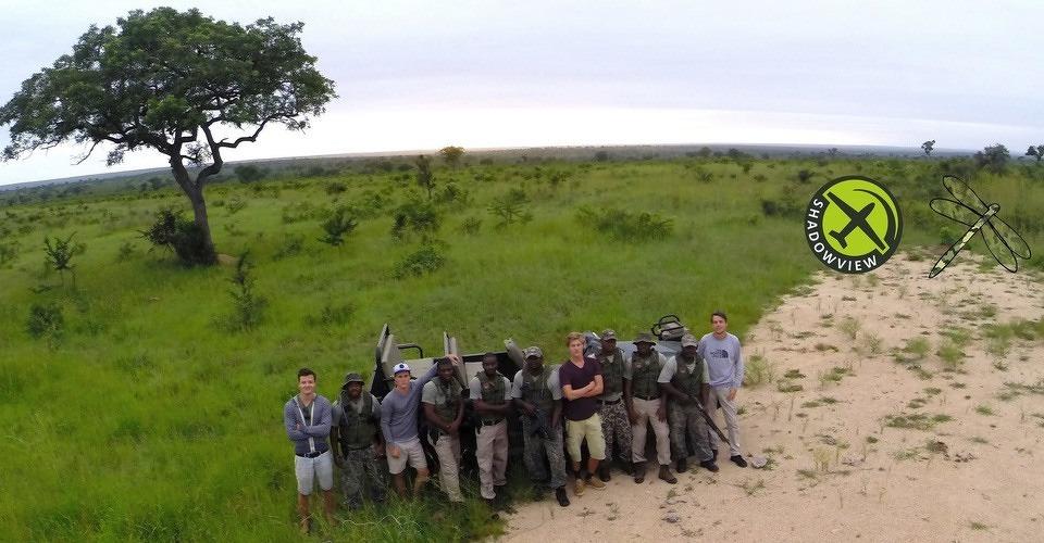Een muis redt een olifant: minivliegtuigjes redden neushoorns in Zuid-Afrika