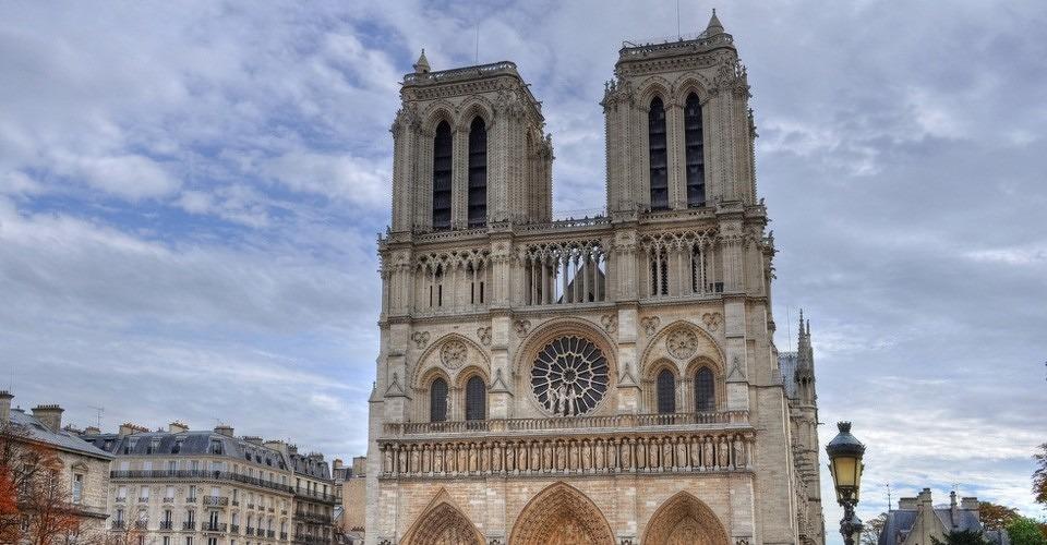 Toerist gearresteerd voor vliegen met drone boven Notre Dame