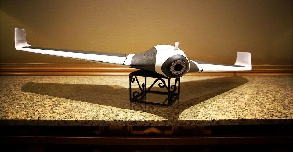 Parrot introduceert nieuwe Parrot Disco drone