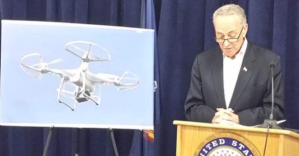 Senator Charles Schumer vraagt om versnelde regelgeving drones