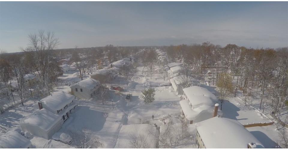 Drone filmt 5 dagen sneeuw in Amerika