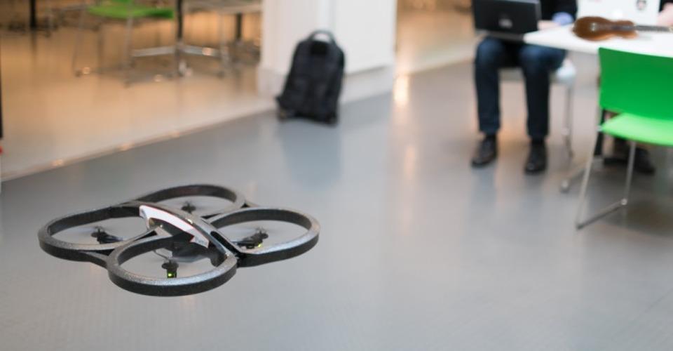 Drone besturen met een ukelele