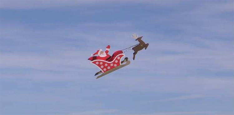 Verrassend Kerstman en rendier Rudolf vliegen met slee EJ-26