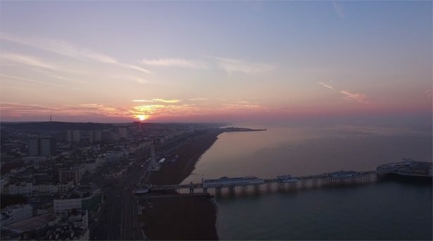 brighton-pier-drone-quadcopter-video-zonsopkomst-2015